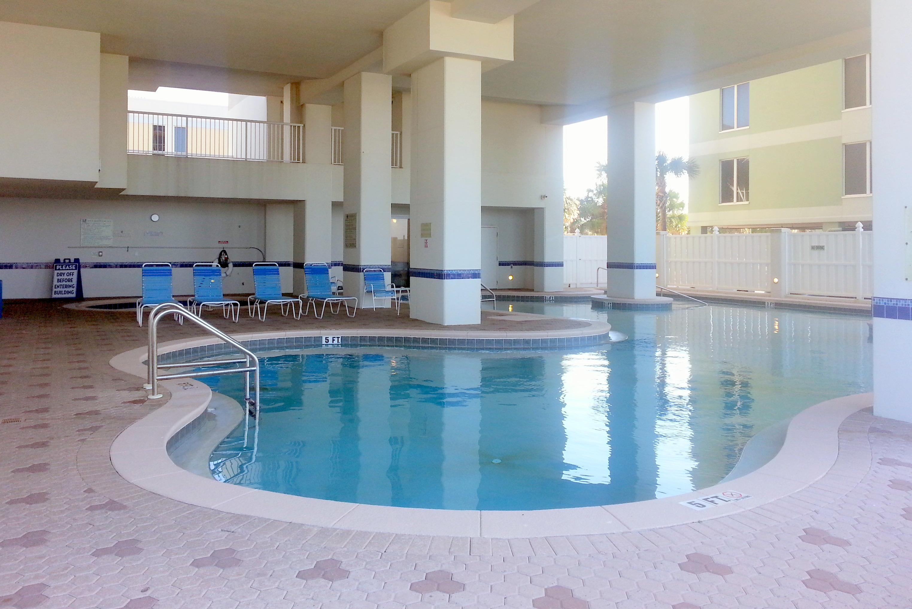 Tower 2 Outdoor Pool